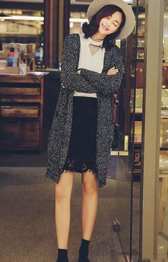 针织开衫配裙子 最显清新甜美
