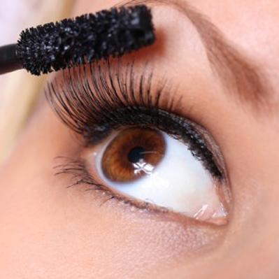 睫毛夹怎么用能完成睫毛的卷翘感
