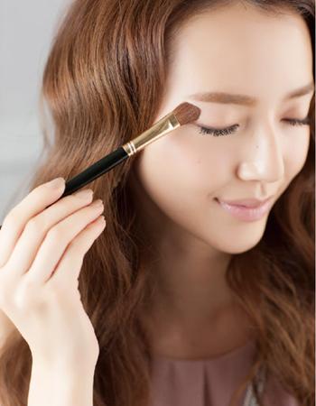 约会清新妆容的画法,让女性魅力24小时